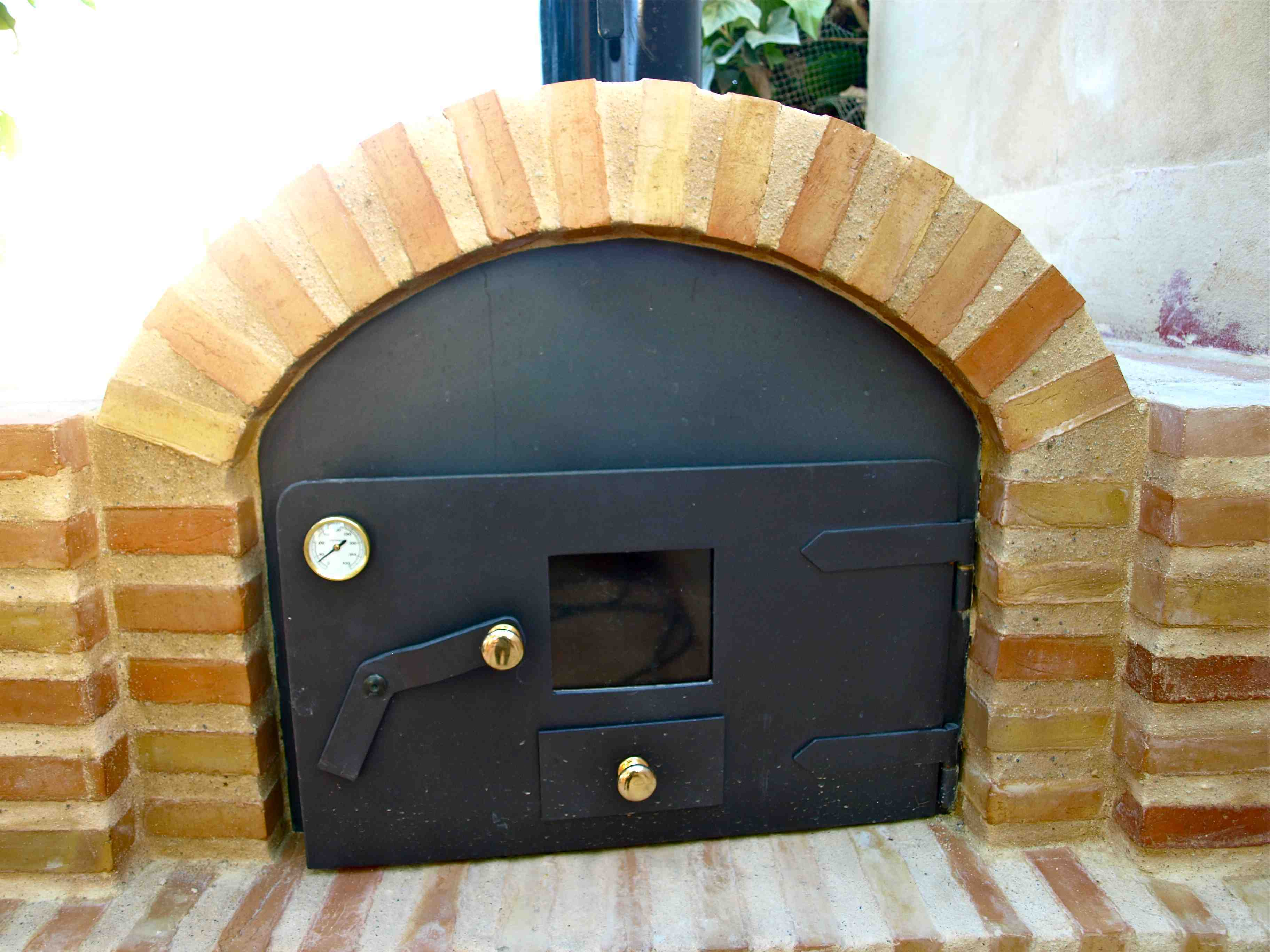 Horno moruno tradicional instalado en una vivienda - Horno de ladrillo ...